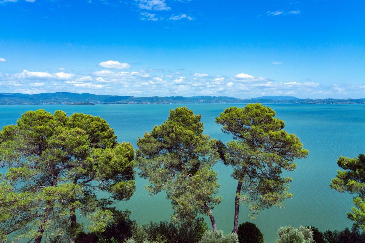 tradimento lake Castiglione